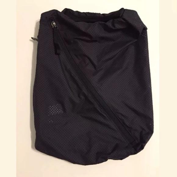 2302804e72f001 lululemon athletica Handbags - Lululemon Accessory Bag - shoes